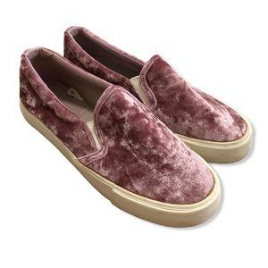 American Eagle Mauve Velveteen Slip On Sneakers—8